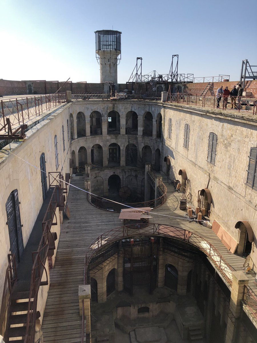 Photos des tournages de Fort Boyard 2019 (production + candidats) D2qn5z13