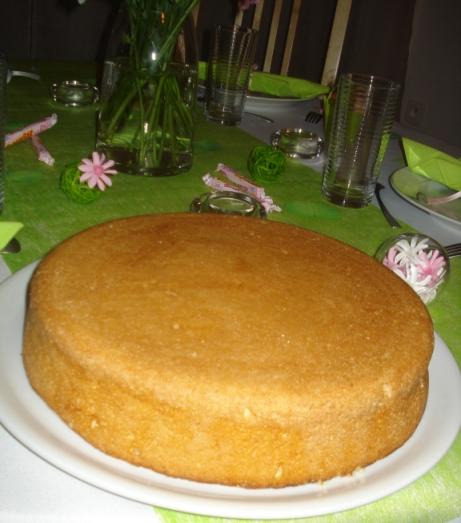 Gâteau aux 3 laits (pastel de très leche - Mexique) Dsc07110