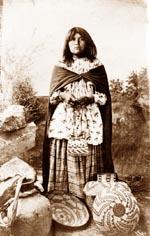 les apaches Girl_s10