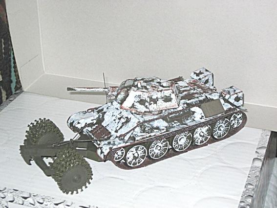 Fertigbaubericht T 34/76 mit Minenroller Zvezda 1:35 01_t3410