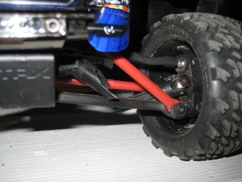 E-Revo: Casse d'un driveshaft... Img_3512