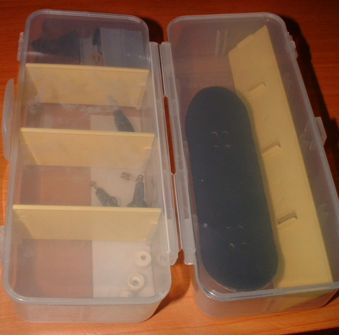 post your fingerboard case/box - Page 8 Dscf0612