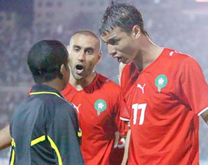 على خلفية ضربة الجزاء المحتسبة في لقاء المغرب والجزائر Foot10