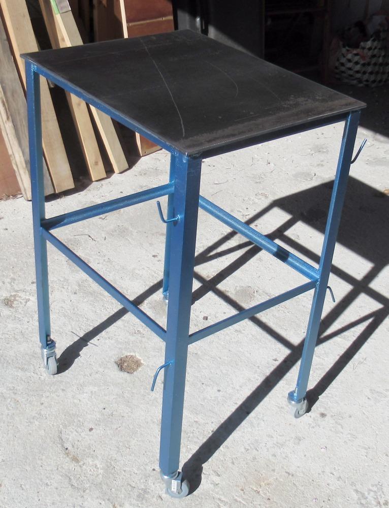 Une petite table à souder  Img_0429