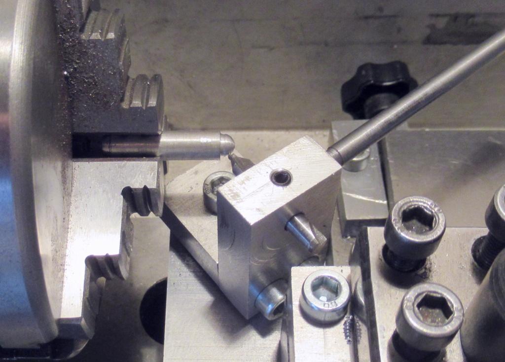 """Un outil """"home made"""" pour tourner les rotules et les sphéres Img_1543"""