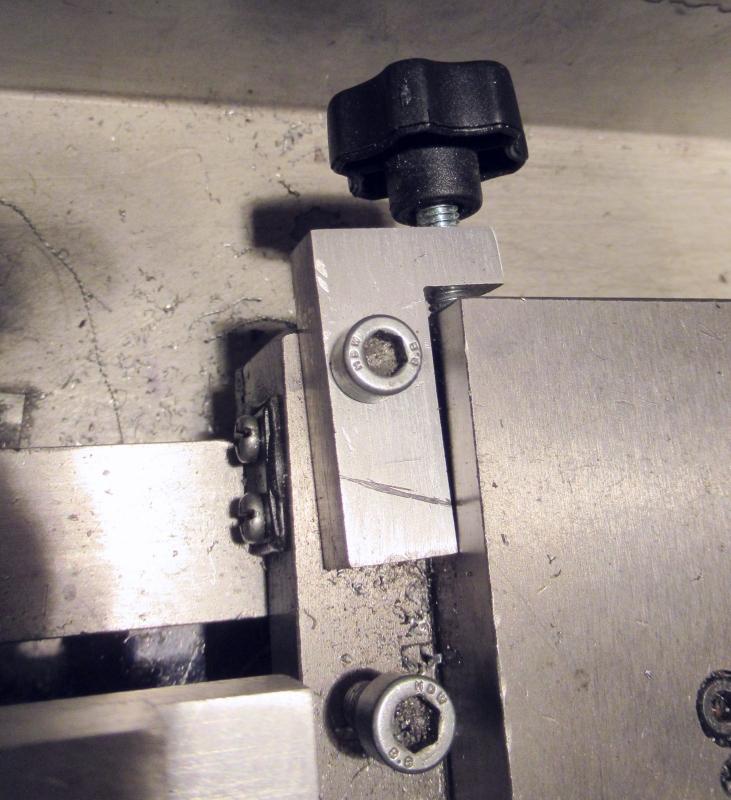 """Un outil """"home made"""" pour tourner les rotules et les sphéres Img_1544"""