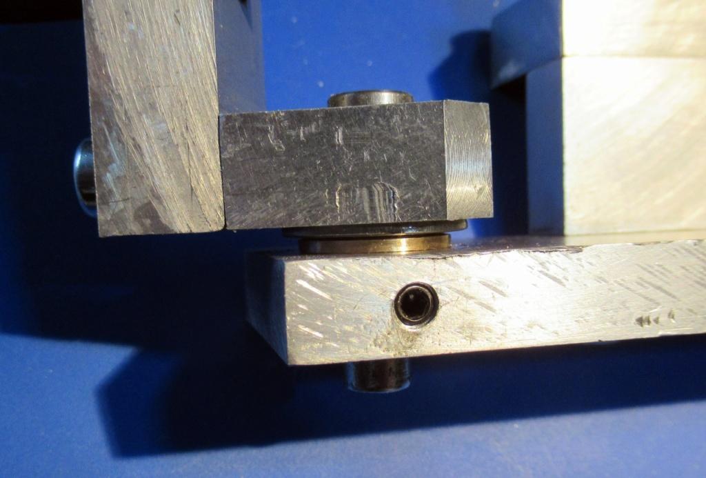 """Un outil """"home made"""" pour tourner les rotules et les sphéres Img_1611"""