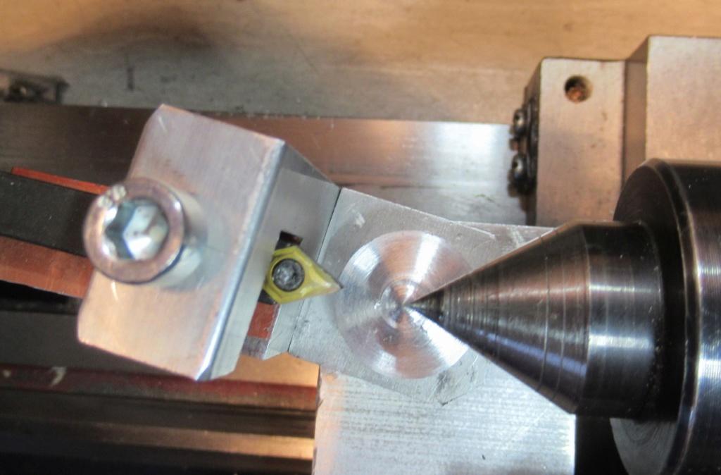 """Un outil """"home made"""" pour tourner les rotules et les sphéres Img_1615"""