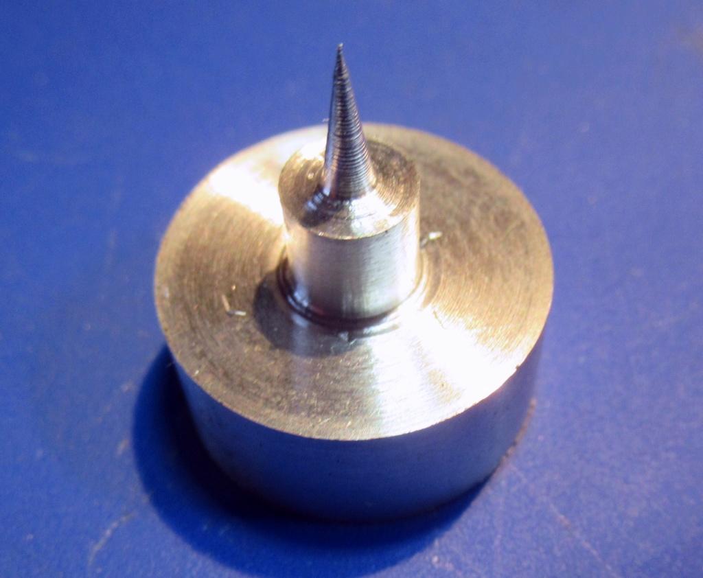 """Un outil """"home made"""" pour tourner les rotules et les sphéres Img_1617"""