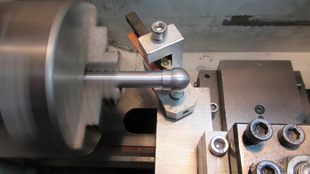 """Un outil """"home made"""" pour tourner les rotules et les sphéres Img_1618"""