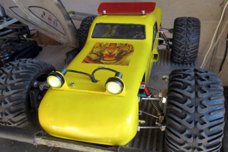 """Une voiture RC home made """"confinement"""" - Page 4 Img_1910"""