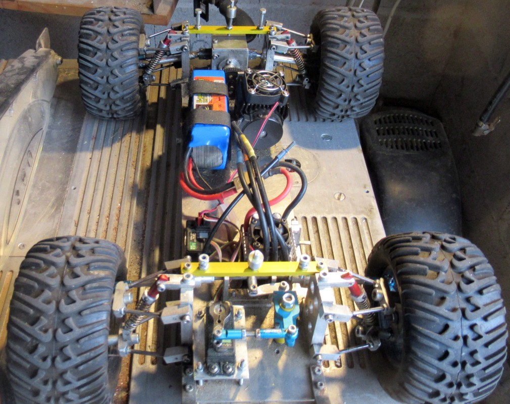 """Une voiture RC home made """"confinement"""" - Page 4 Img_1911"""