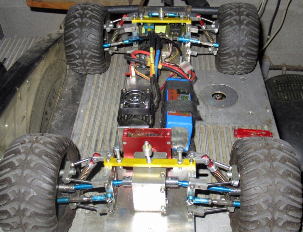 """Une voiture RC home made """"confinement"""" - Page 4 Img_1914"""