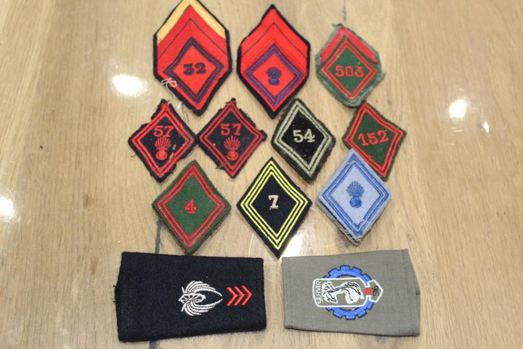 Lot de patchs et losanges Mod 45 + 2 fourreaux d'épaule BAISSE DU PRIX Img_1520