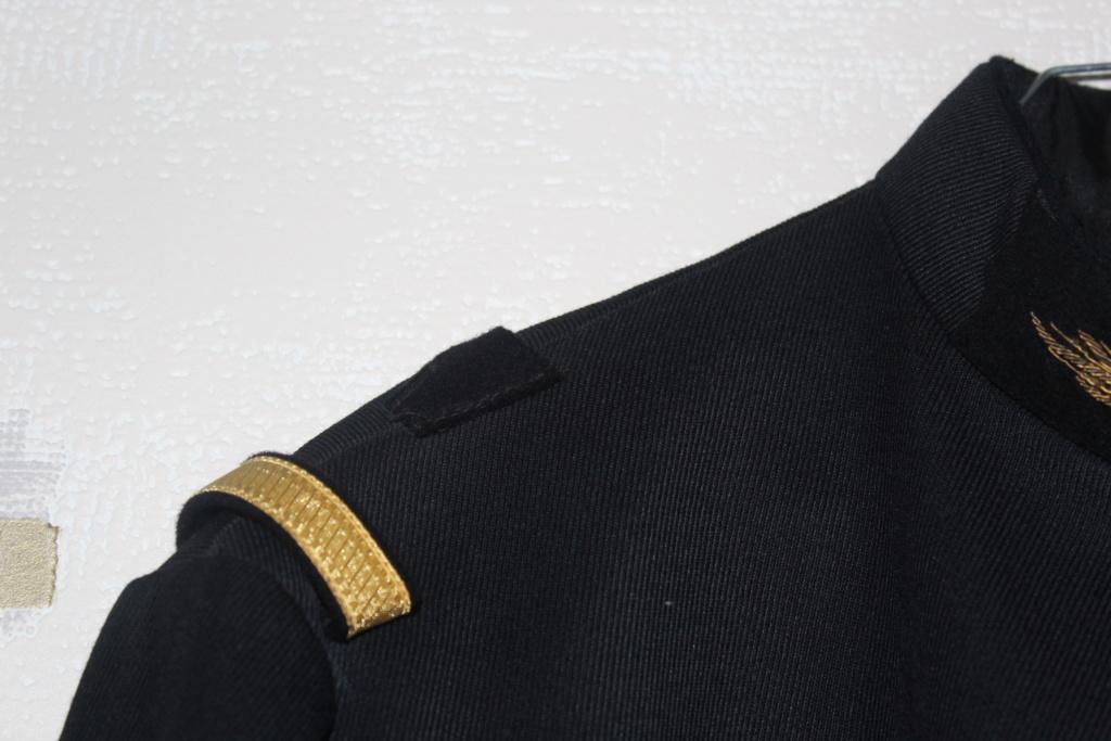 Vareuse d'adjudant chef de la Garde Républicaine -ALPINS-JANV1 - BAISSE DU PRIX - A CLOTURER  Img_2113