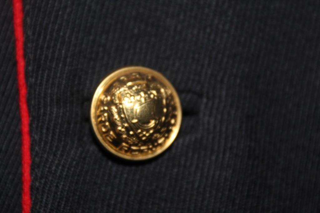 Vareuse d'adjudant chef de la Garde Républicaine -ALPINS-JANV1 - BAISSE DU PRIX - A CLOTURER  Img_2116