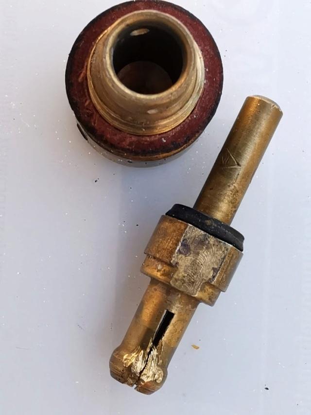 Régime ne dépasse pas 5000 rpm + trou + petites pétarades Gicleu11