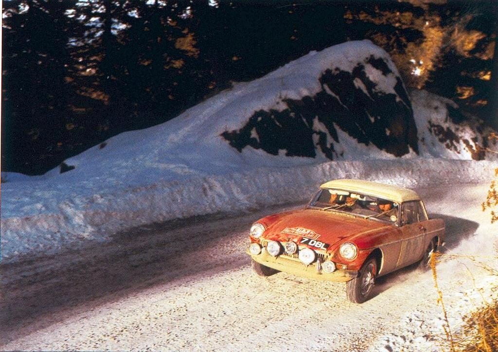 En attendant le Rallye Monte-Carlo Historique 2019 - Page 10 64_08310