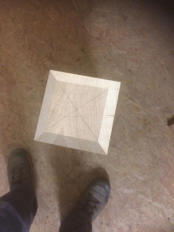 Petite table de salle en chene 2b4b7110