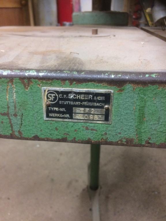 Table scheer 85d69310