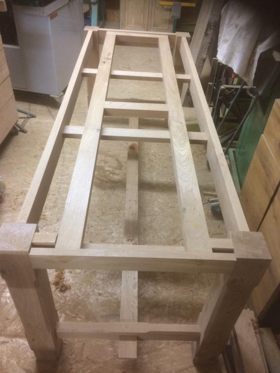 Petite table de salle en chene D1329310