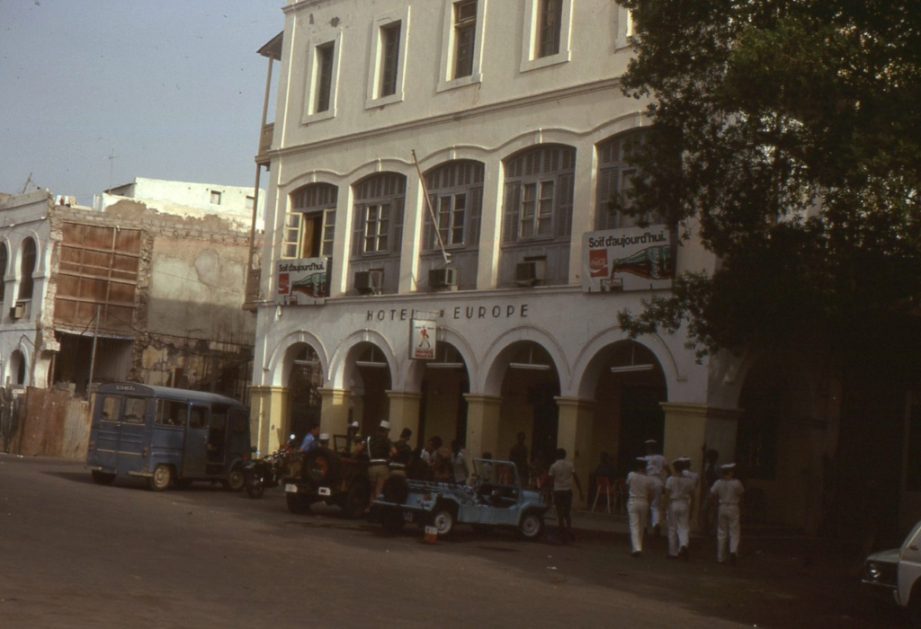 DJIBOUTI - LES BARS - Page 16 Img06910