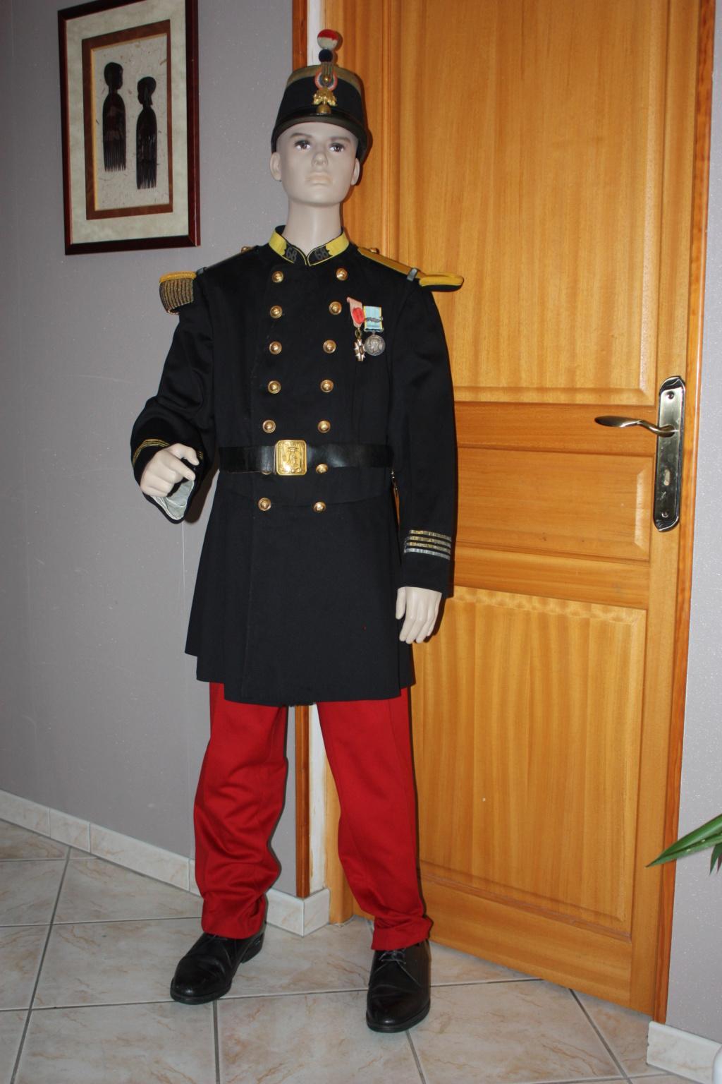 l'uniforme 1872 de mon arrière arrière grand père  - Page 2 Unifor14