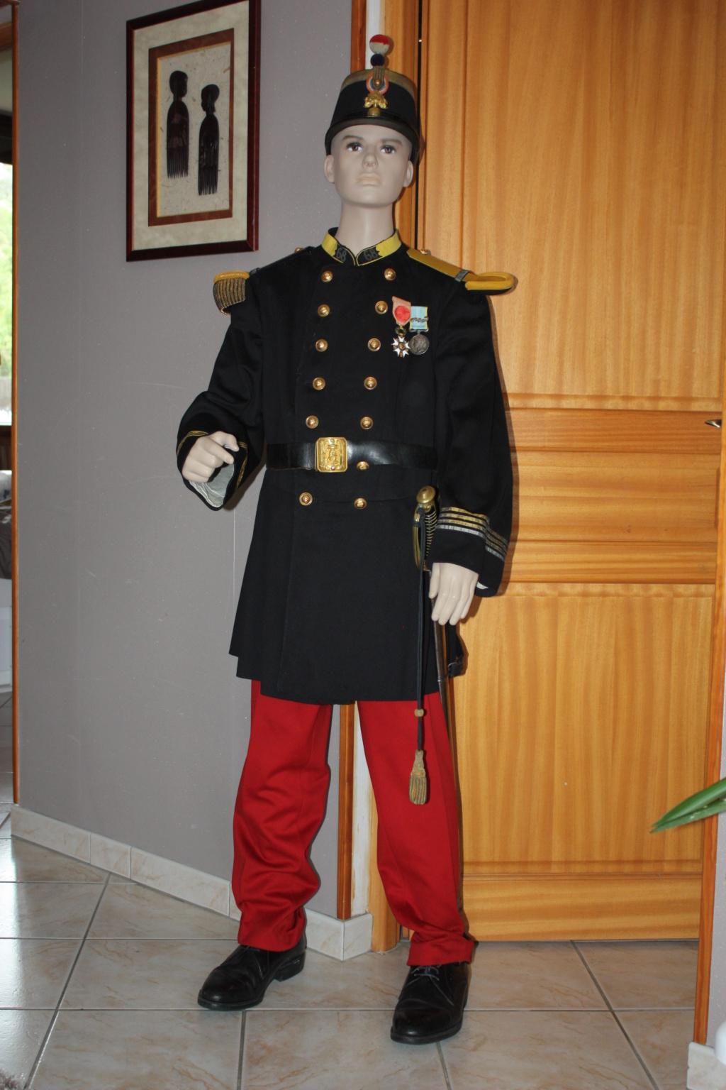 l'uniforme 1872 de mon arrière arrière grand père  - Page 2 Unifor15