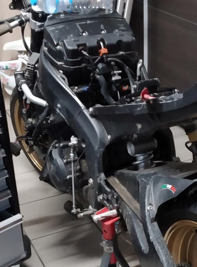 Diverses pièces R6 -2008 - moteur  Moteur10