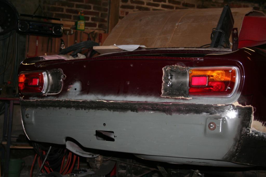 BERTONE 1600 GT Junior - Question feux AR 04410
