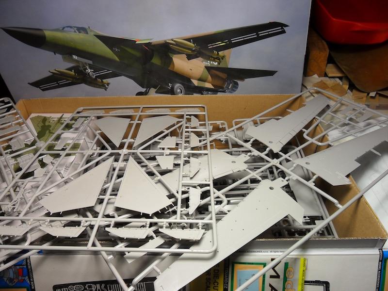 F-111 Aardvark 1/48 HobbyBoss by Mac Pit Sam_4928