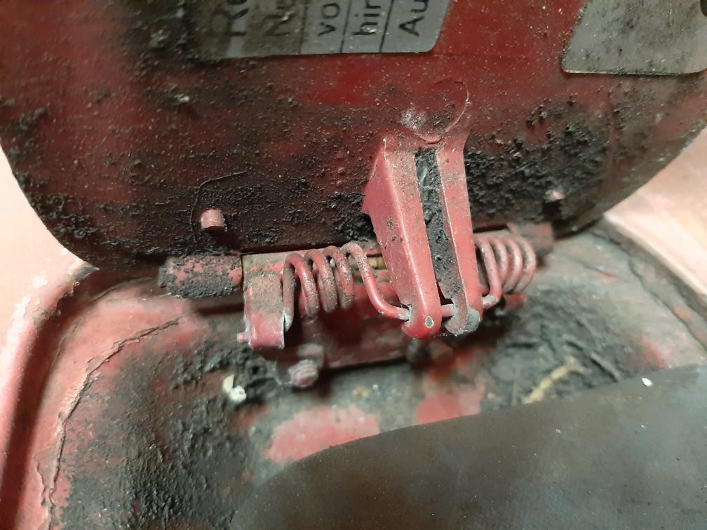 Trappe essence spécifique modèle 68  Messag13