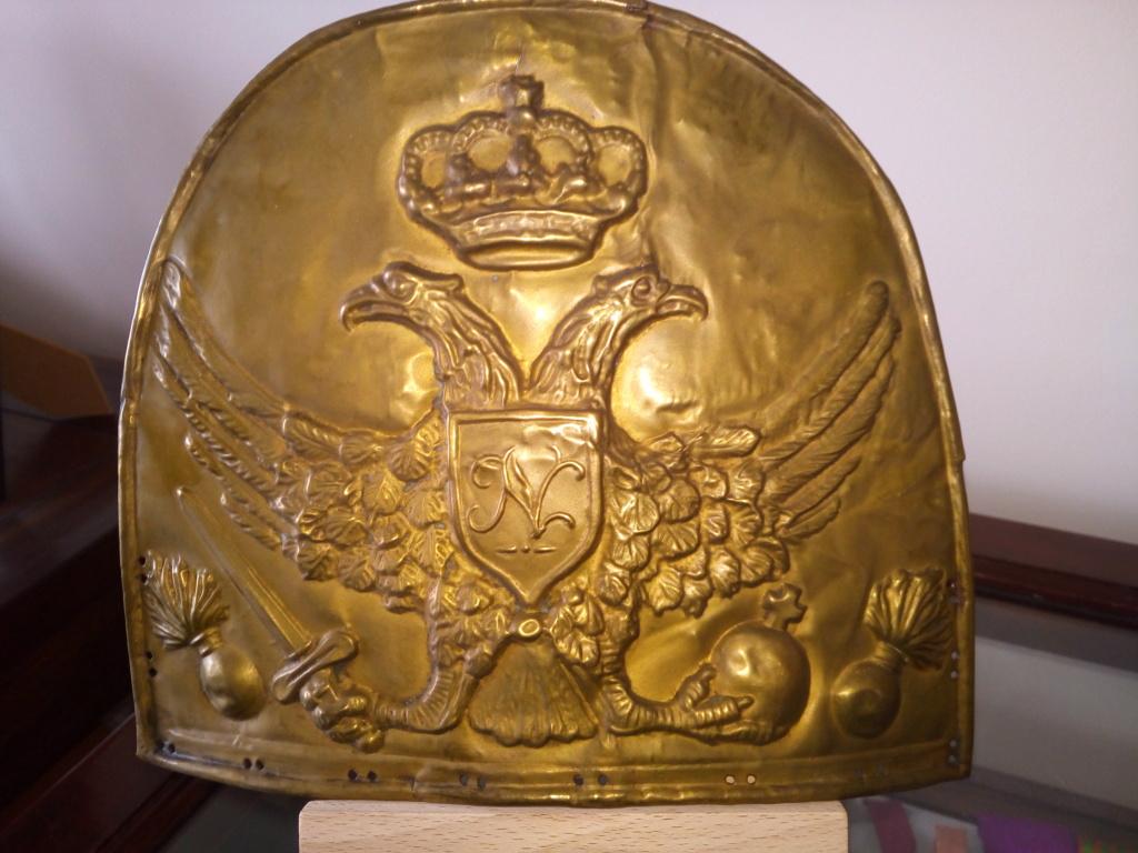 Plaque de bonnet à poil , sans doute, de grenadier Shakos17
