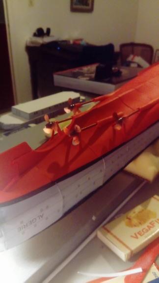 Croiseur Algérie 1/200 papier carton scratch Oriel GPM PE Shapeways . - Page 2 Dsc_0154
