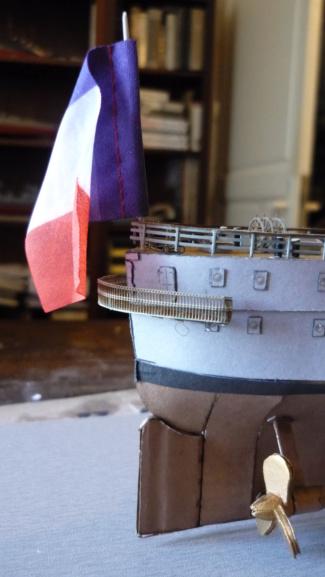 Croiseur D'Entrecasteaux 1/200 GPM et scratch Terminé P1000729