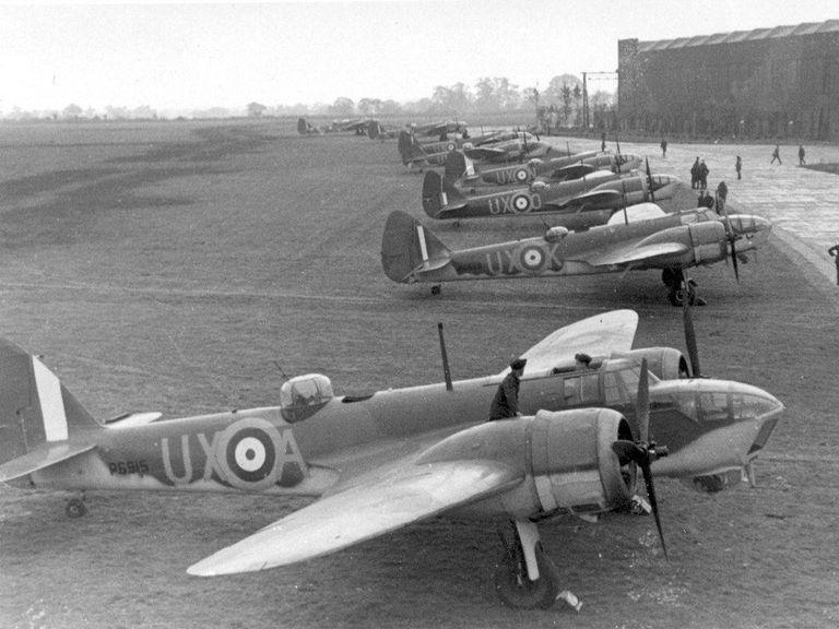 [WW2] bombardiers Bristol Blenheim - SM.79 78f29010