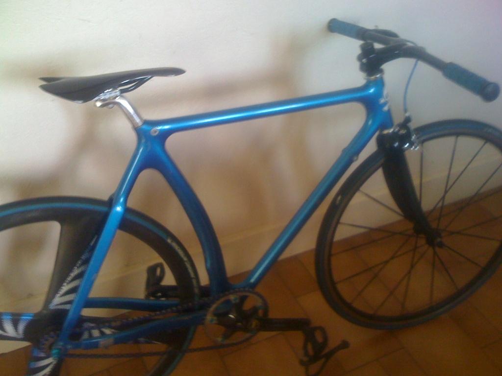 Racing bike, y'a un Ostéo dans la salle?  Img_0412