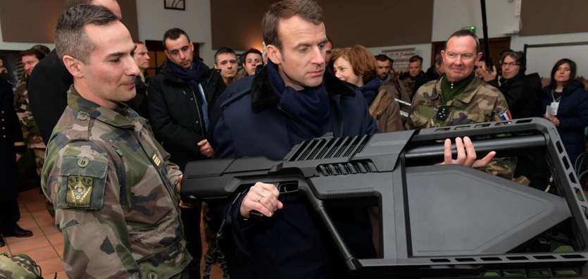 Une arme du futur Macron11