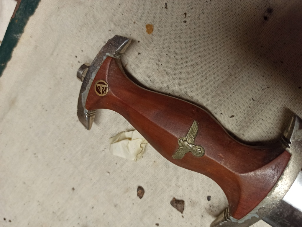 URGENT dague sa et poignard hj Img_2126