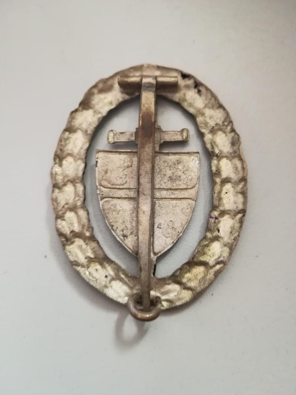 badge inconnu Thumbn63