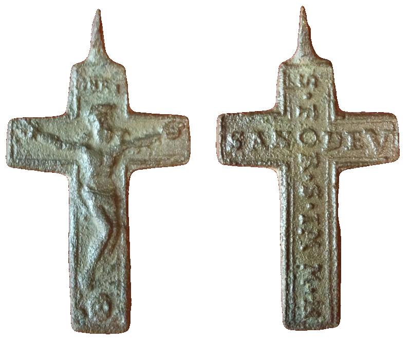 Pregunta sobre la leyenda de esta cruz. Cm180410