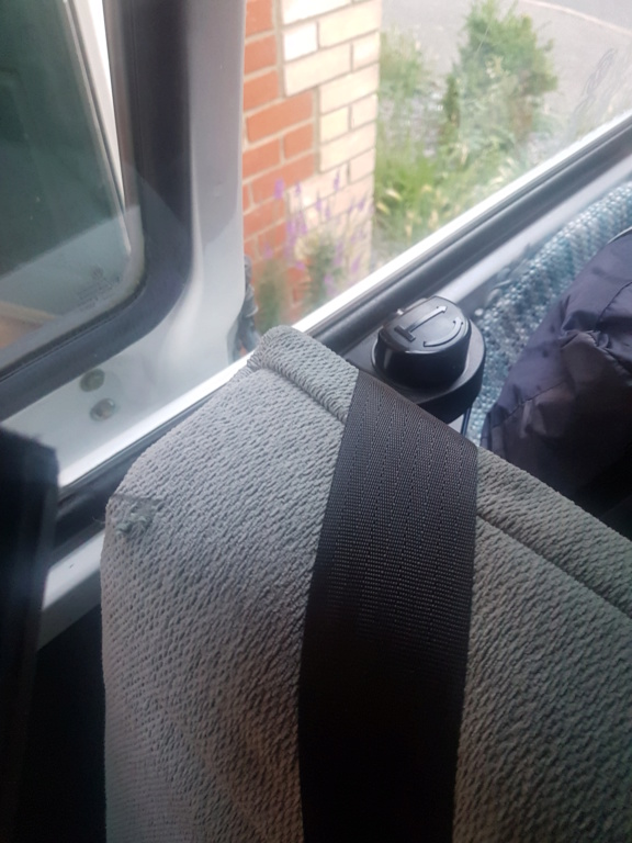 3/4 Rock and Roll bed with integral seat belts 20190625