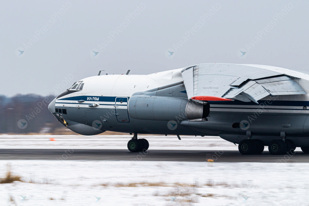 Il-76/476 Military Transports - Page 11 Img_4510