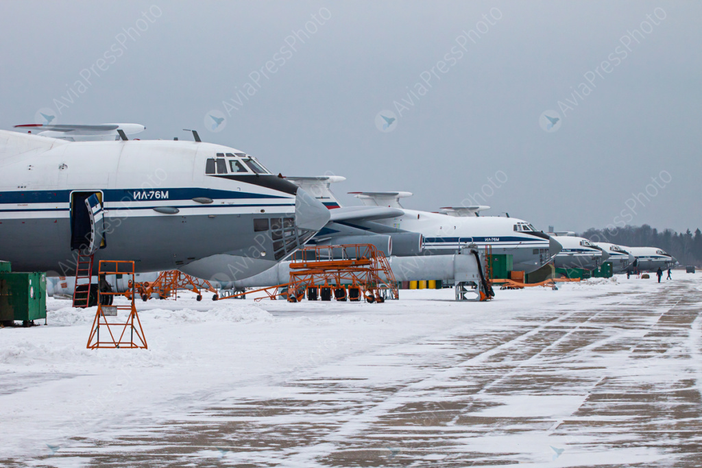 Il-76/476 Military Transports - Page 11 Img_9710