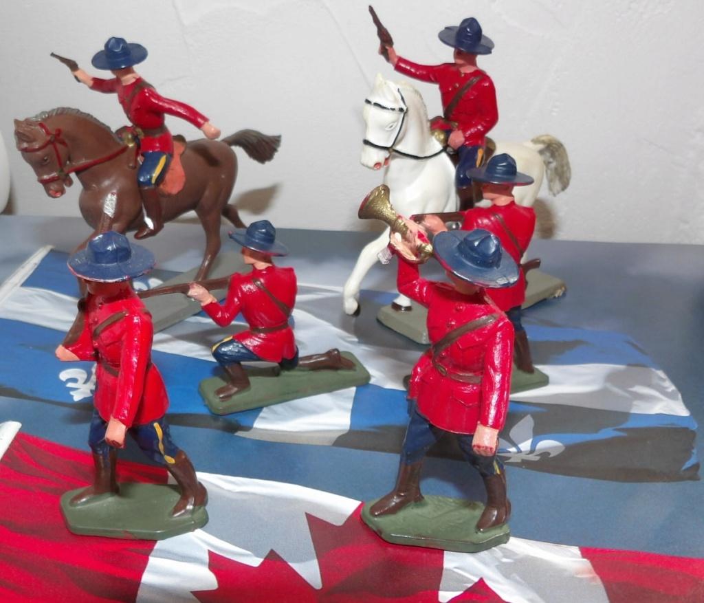 Uniforme de la Gendarmerie royale du Canada 100_5029