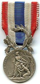 Identification des médailles 140px-10