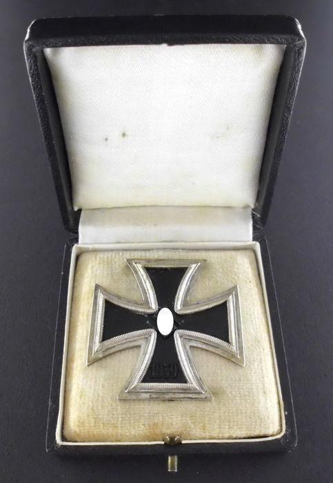 Badges et ek1  1b436010