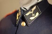 lot medailles et insignes divers a identifier, authentifier et estimer. 220px-11