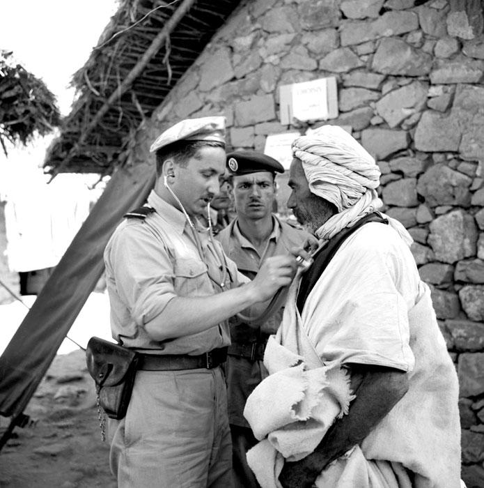Ébauche uniforme medic en Algérie  Alg-5710