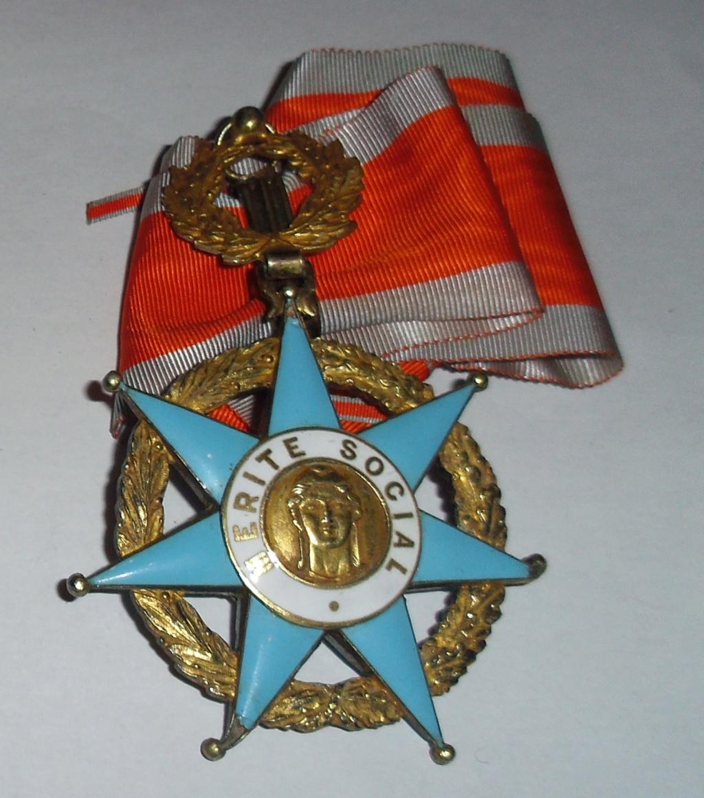 Aide-Graveurs de l'ordre du Mérite Social (1936-1963 ) Imgp3910
